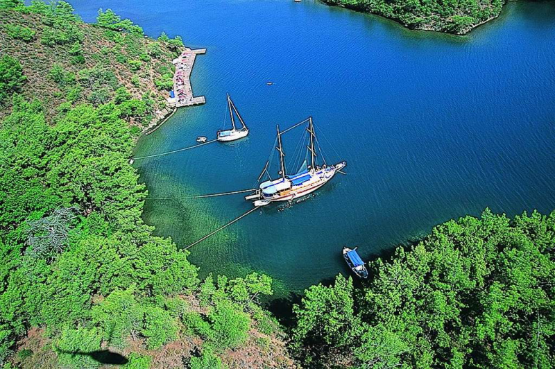 wooden gulet boats along the Turkish Riviera